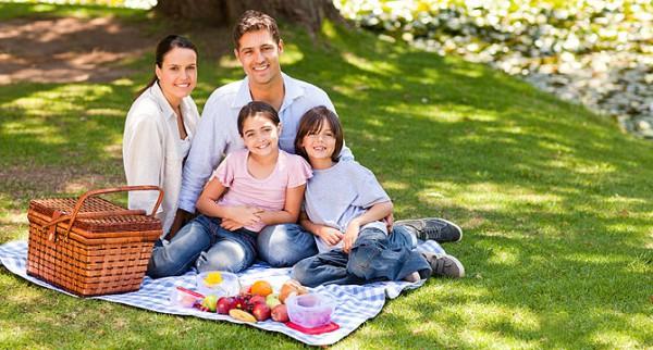 Пикник с семьёй летом