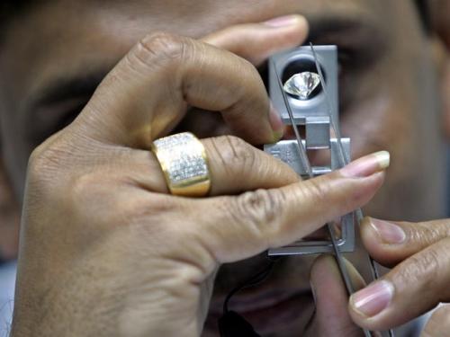 длинные ногти у мужчины на мизинце значение